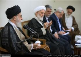 گزیدهای از بیانات در دیدار جمعی از مسئولان و فعالان فرهنگی استانهای یزد و همدان