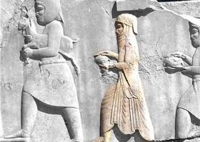 بررسی تاریخی موضوع پوشش و حجاب زنان در ایران معاصر و ایران باستان
