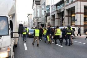 جنبش اعتراضی جلیقه زردها به بروکسل رسید/ پایتخت اروپا متشنج شد