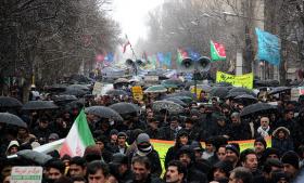 انقلاب اسلامی 40 ساله شد/ حضور از مردم، برف شادی از خدا