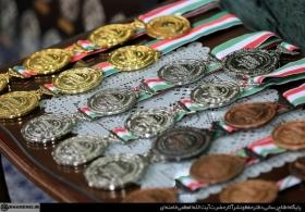 دیدار مدالآوران المپیادهای علمی و اعضای تیم ملی والیبال جوانان با رهبر انقلاب