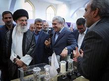 بازدید حضرت آیتالله خامنهای از نمایشگاه شرکتهای دانشبنیان و فناوریهای برتر